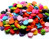 SALE - 1 Big Pile / Bag Assorted Plastic Resin Flowers Everything in the Picture