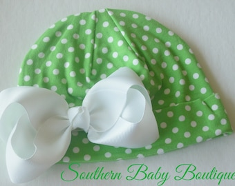 NEW----Boutique Hospital Pictures Baby Girl Knit Beanie Cap with Hairbow Clip Set----Green and White Dots----Fits 0-6 Months