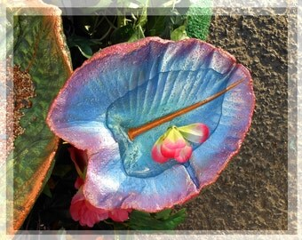 Birdfeeder / Birdbath / Fairy Garden Concrete Statue STANDS OVER FLOWERS - Reserved for Lisa - Custom Based on Leaf 4589 - Reserved for Lisa