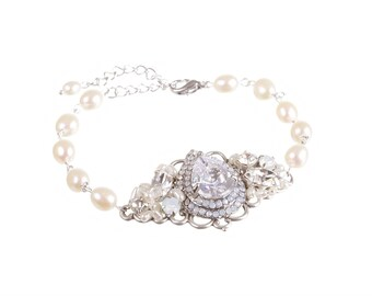 Pearl Wedding Bracelet  Vintage Style Bridal Bracelet  Wedding Jewelry Freshwater Pearls Swarovski Crystals Bridal Bracelet Wedding Jewelry