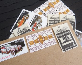 On the Town .. UNused Vintage Postage Stamps  .. post 5 letters