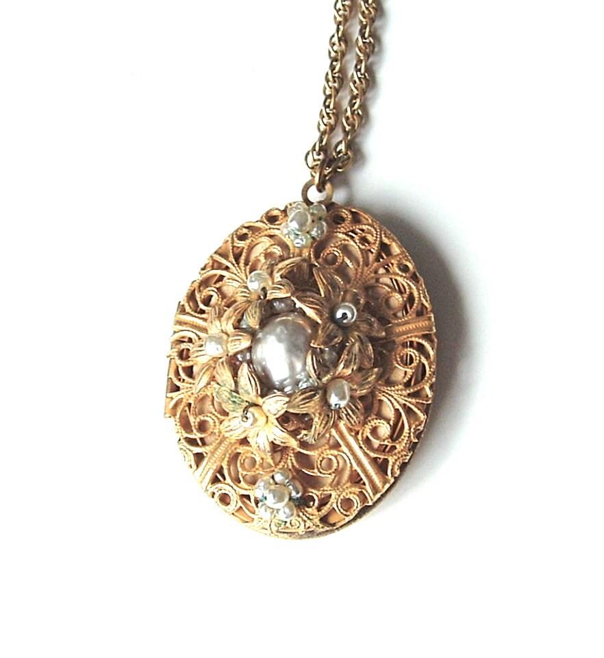 Vintage Signed Miriam Haskell Locket Necklace Romantic Pendant