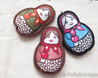 Sewing Supplies, DIY Softies Pendant Keychain Charms - Embroidered Matryoshka Russian Doll Nesting Doll Apple Girls(1PCS, Choose Color)