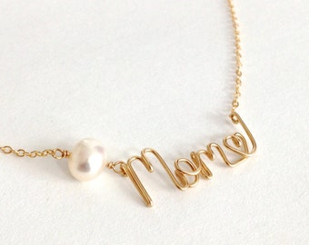 Gold Mom Name Necklace with Pearl and heart. 14k Gold Mom Necklace. Aziza Jewelry