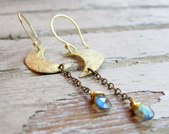 Moon In Your Hand - Hand crafted Brass earrings - Labradorite Stone Earrings - Artisan Tangleweeds Jewelry