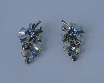 Vintage BEAU-JEWELS Flower Earrings  with Blue Rhinestones, Faux Pearls on Silver tone Metal
