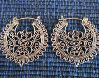 Balinese Outstanding Sterling Silver Traditional style earrings / 1.25 inch / Bali handamde jewelry / Silver 925