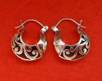 Balinese Sterling Silver Hoop Earrings / silver 925 / Bali Handmade jewelry / 0.85 inch / (#456E)