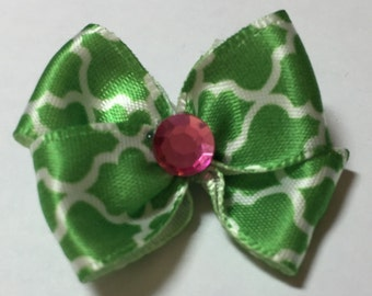 Kelly Green Lattice Pattern Dog Grooming Hair Bow with Pink Rhinestone Center