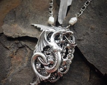 Game of Thrones - Seaglass Dragon Necklace