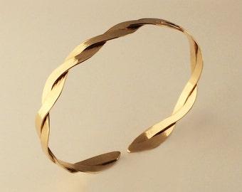 Interlace Bracelet in 14k Yellow Gold, Handmade in Maine