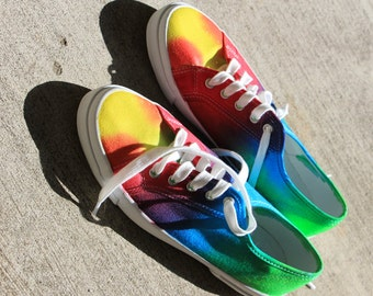 AWESOME tye dye shoes!!