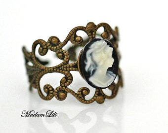 Lady Cameo Adjustable Ring