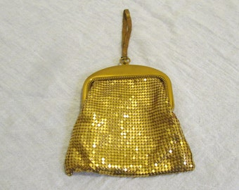 Vintage Whiting & Davis Co Gold metal mesh Evening Pouch Purse