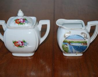Souvenir Niagara Falls Sugar Bowl and Creamer Set - 1950's - Kitsch - Honeymoon