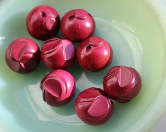 Buttons Wooden Cranberry colored set of 8  LOT VINTAGE by Plantdreaming