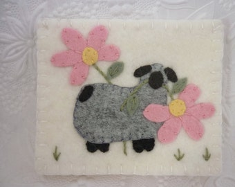 Needle Book Felt Flower Sheep Case Needlebook Pins Pincushion Penny Rug