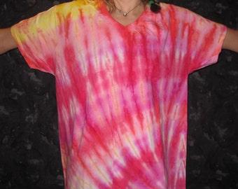 Tie Dye V-Neck Large