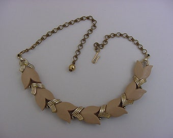 Vintage Tulip Taupe Thermoset Plastic Choker Necklace Gold Tone