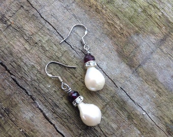 Baroque Freshwater Pearls with Garnets Earrings,ooak,Valentine's day,Rhinestones