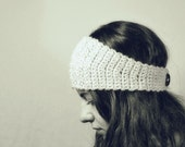 Chia - One Hour Ear Warmer with Button - Easy Crochet Headband Pattern - Crochet Headwarmer Pattern - One Skein Project - One Hour Project
