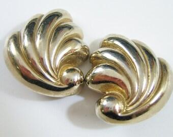 Monet tarnished silver tone swirls clip on earrings 1114E
