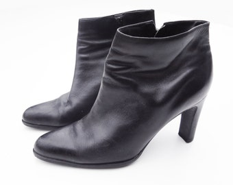 1990s Black Leather Bootie Sz 9.5 B