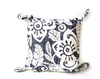 Pillow blue white floral, classic home decor, complete pillow, 12 inch pillow, cushion pillow, small Summer pillow