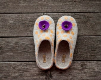 Beige felted slippers wool clogs house shoes yellow polka dots purple brooch women slippers winter shoes Christmas gift - handmade to order
