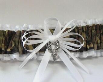 Camo garter Toss White Tree CAMOUFLAGE wedding garters DEER