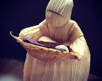 Pea in the Pod - Mother and Baby Cornhusk Dolls