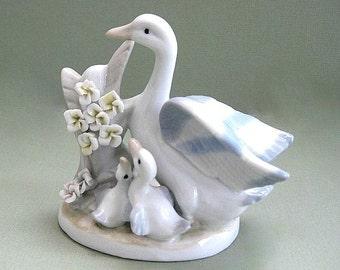 White Duck Figurine Swan Figurine Goose Figurine Ceramic Bird Figurine Duck Decor Goose Decor Baby Bird Decoration Bird Ornament Mother