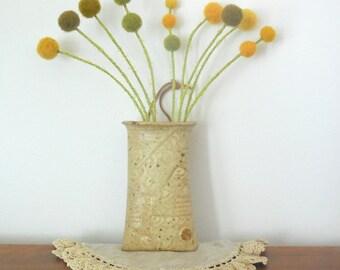 Pottery Wall Pocket with Pom pom Flowers - Brown vase - Earthenware - Hanging Vase - Craspedia Floral Arrangement - Wool pompoms - Mustard