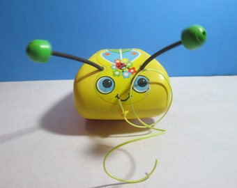vintage 1974 fisher price #628 tug-a-bug pull toy
