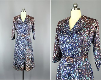 Vintage 1950s Dress / 50s Day Dress / 1950 New Look / Novelty Print / Size Medium M to Large L
