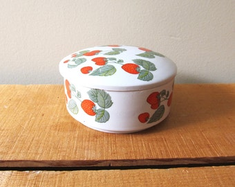 vintage sugar bowl strawberry dish 80s ceramic jewelry box storage cute 1980s