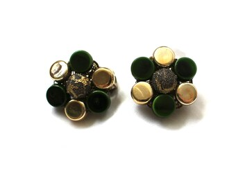 vintage earrings 1950s jewelry bead cluster gold forest green round post flower
