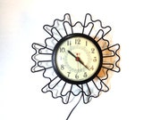 Vintage Clock Wire Mid Century Sunburst Working Clocks Retro Eames Black Cream FREE Shipping