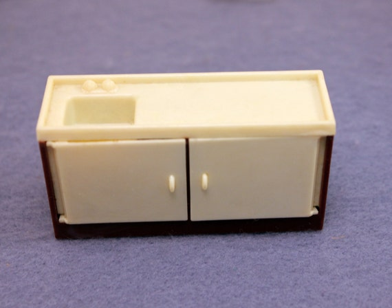 Plastic Dollhouse Kitchen Sink Half Scale by MothersMiniTreasures