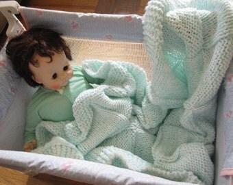 Knit crib baby blanket acrylic yarn (mint green)