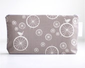 makeup bag. wet bag. cosmetic bag. waterproof. grey birdie spokes