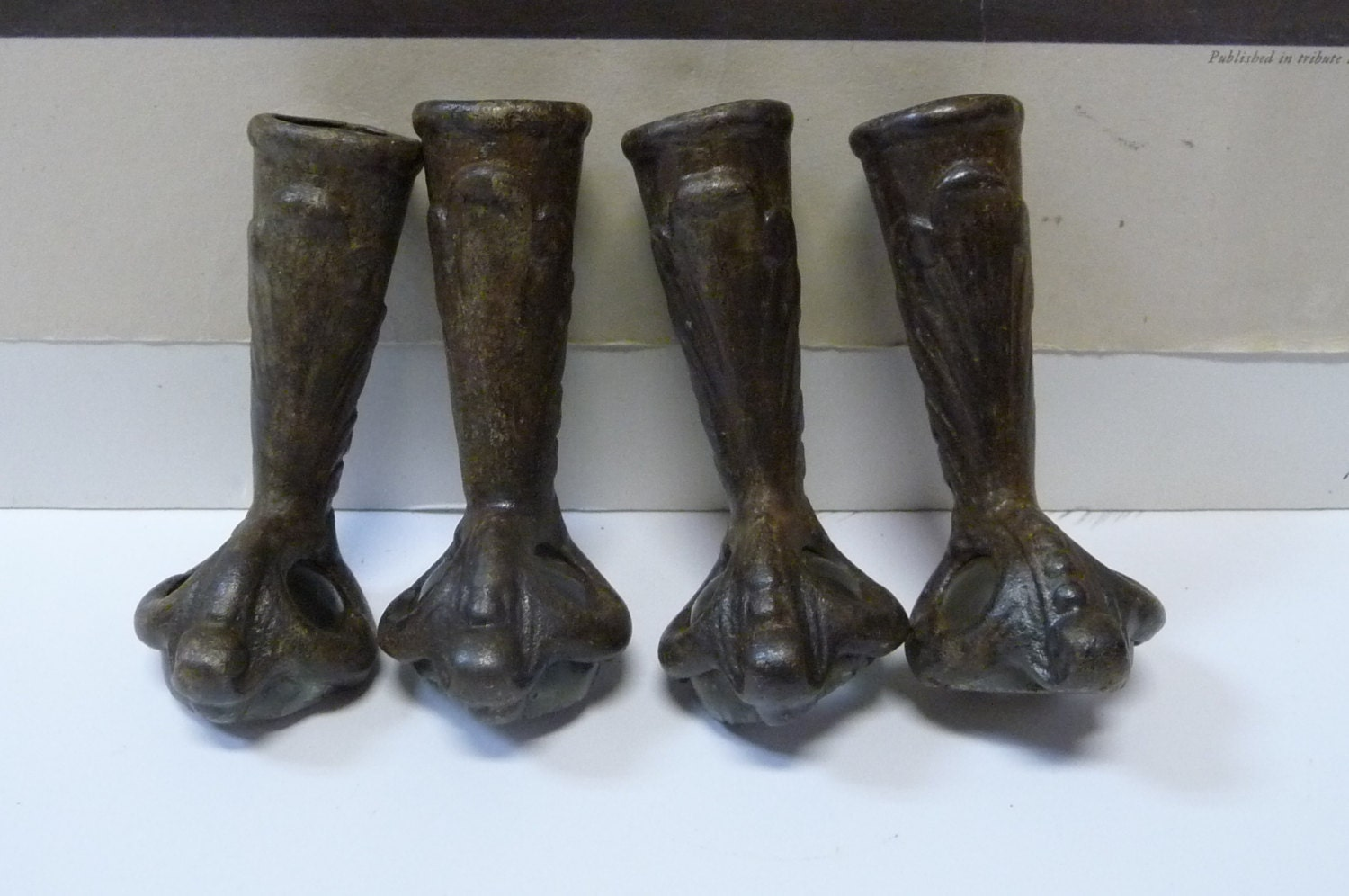Four Antique Claw Foot Feet Stool Table Legs Cast Iron Crystal