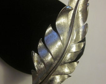 Birds of a Feather - Large Vintage Silver Tone Feather Brooch