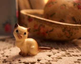 Hagen-Renaker Vintage Siamese Cat figurine, Small Collectible Animal, Knick-knack, Arts & Collectibles, Vintage Cat