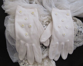 Vintage Ivory Nylon Stretch Ladies Wrist Gloves