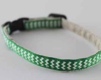 """Green and White Chevrons 1/2"""" collar"""