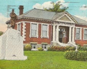 Public Library and Memorial LINDSAY Ontario Vintage Postcard 1931