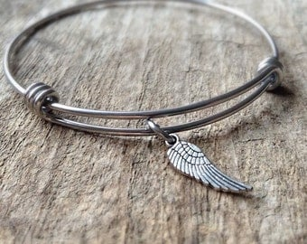 Tiny Wing Bangle Bracelet, Expandable Bangle, Wing Bracelet, Angel Wing Charm, Stackable Bracelet, Bohemian Bracelet, Bohemian Jewelry