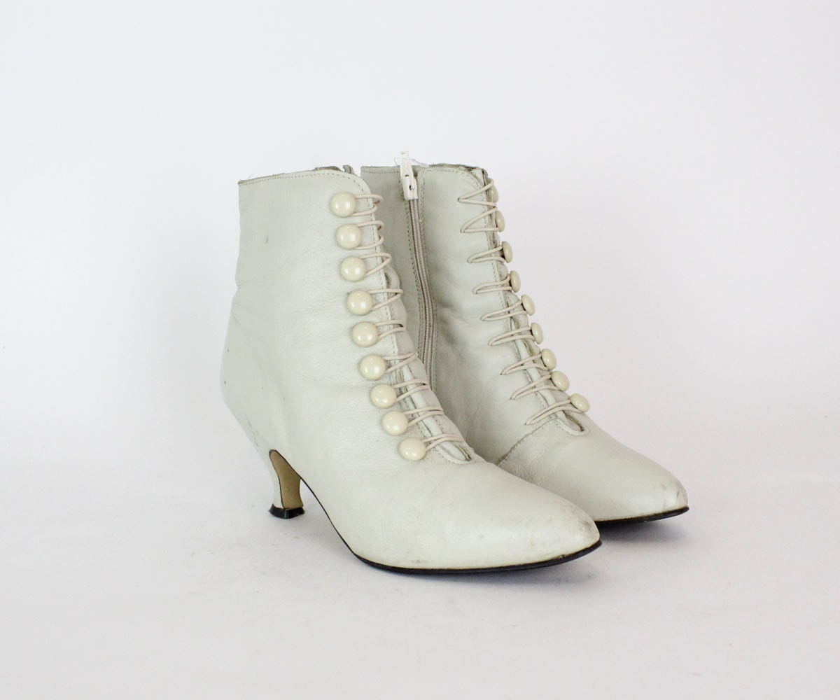 ivory boots 8 vintage white leather button boots