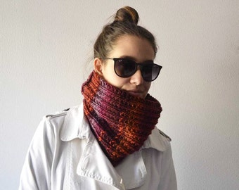 Neckwarmer Unisex, Accessories knitted, Collar handmade with red wool, red Chunky knit cowl, Valentine Day